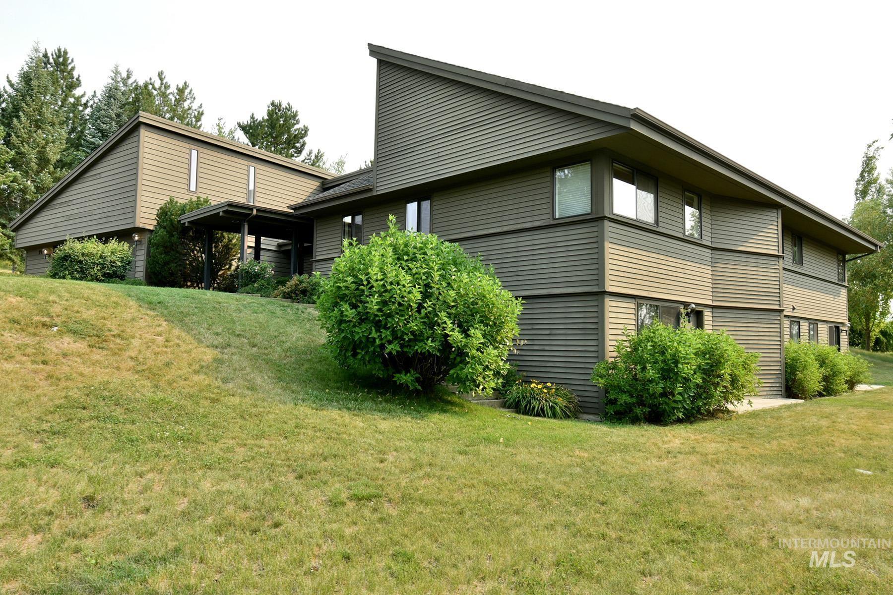 2048 Arborcrest Property Photo