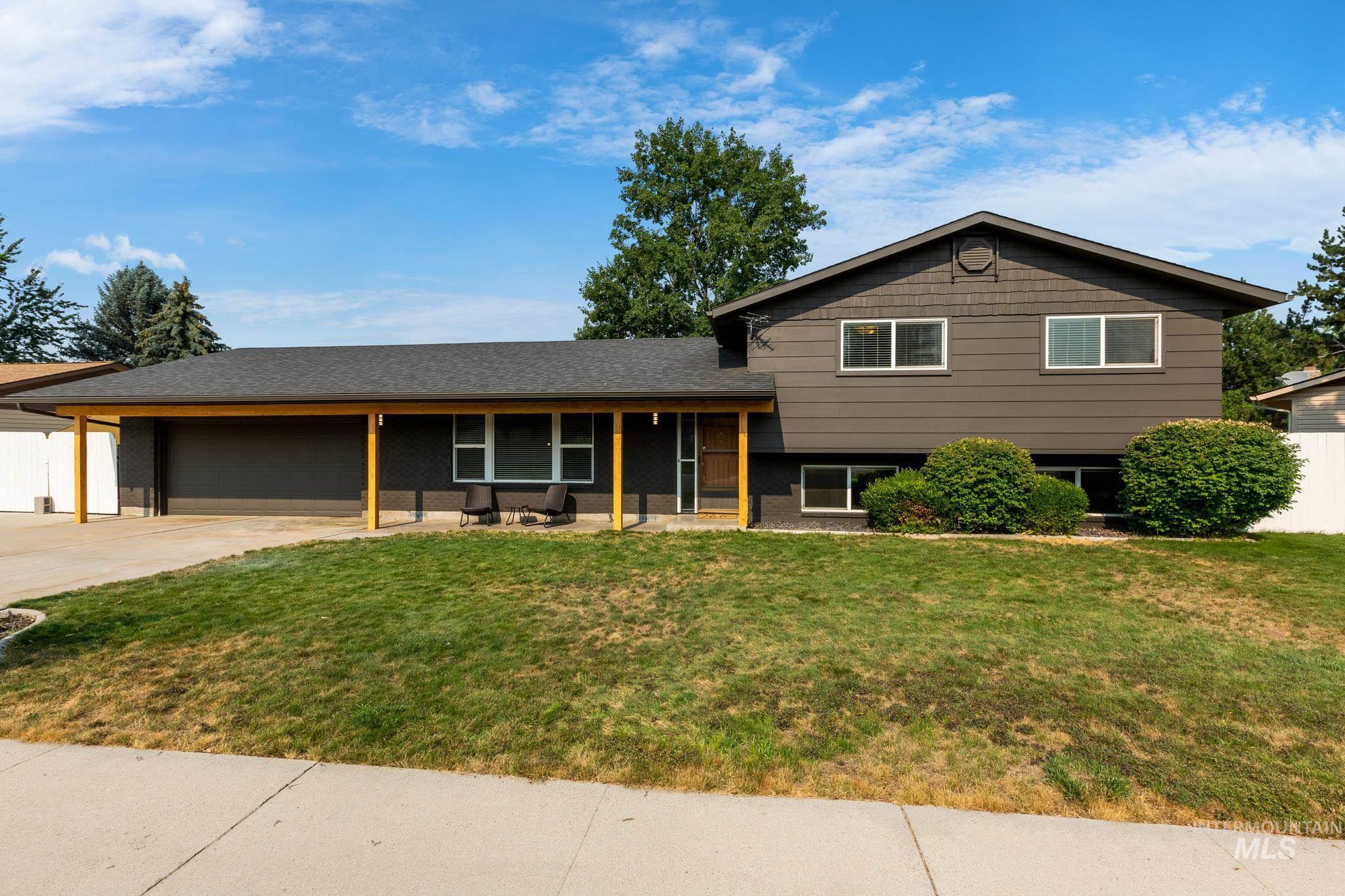 3725 N Maywood Dr. Property Photo