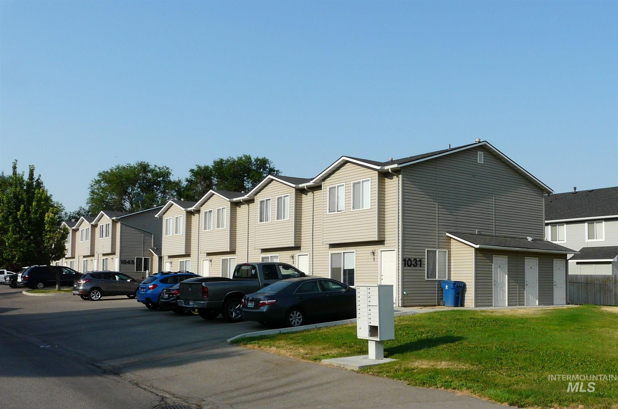 1031 E Iowa Avenue Property Photo