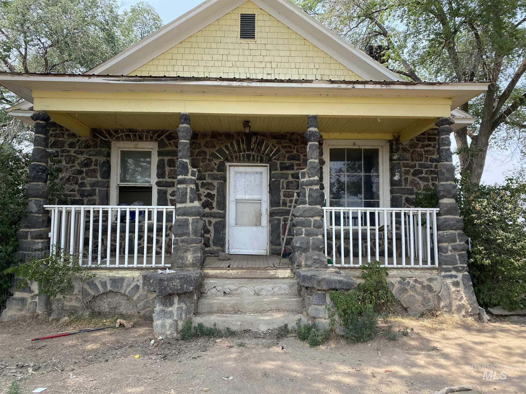447s 550e Property Photo