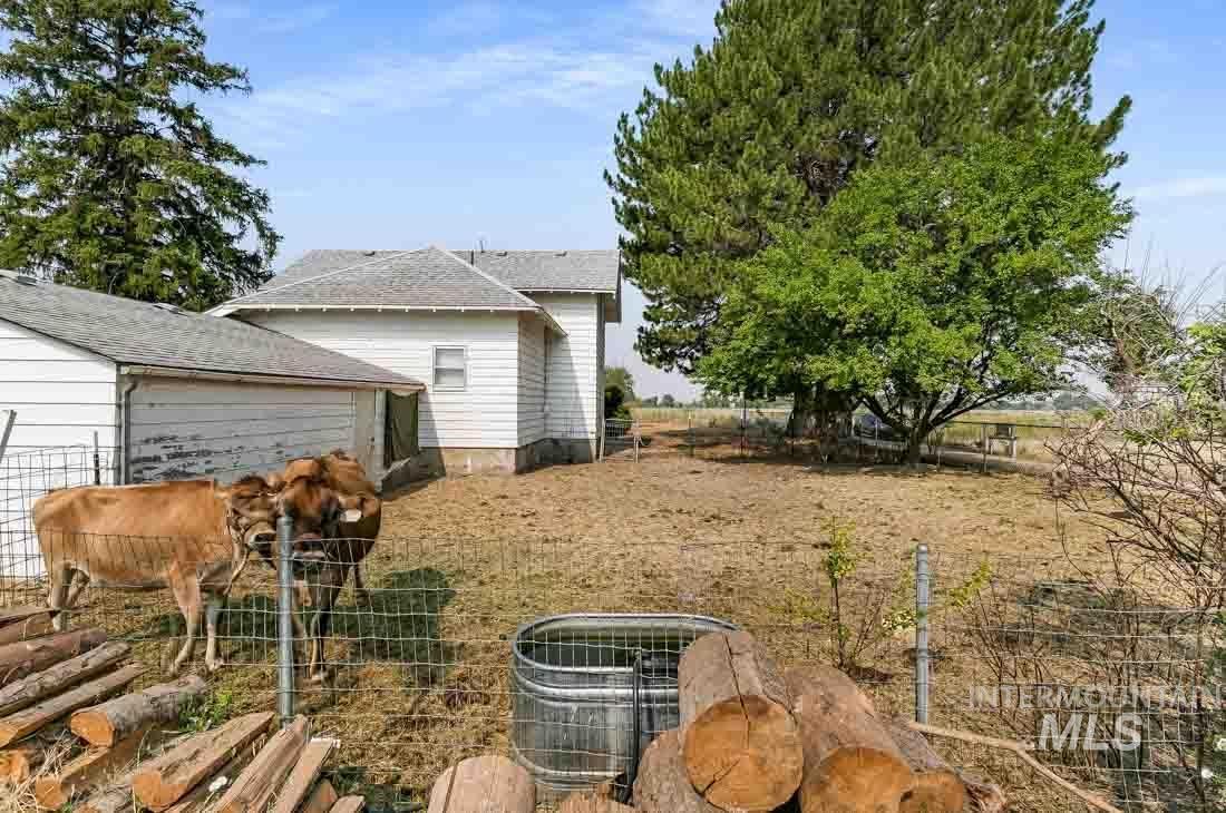 148 Glascock Property Photo 5