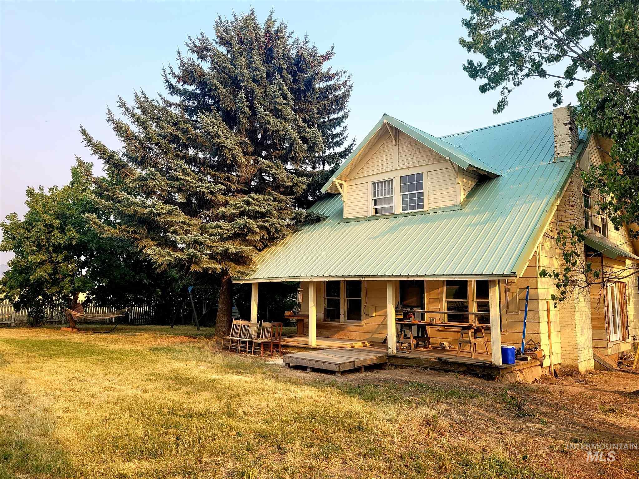 1647 Cedar Ridge Rd Property Photo
