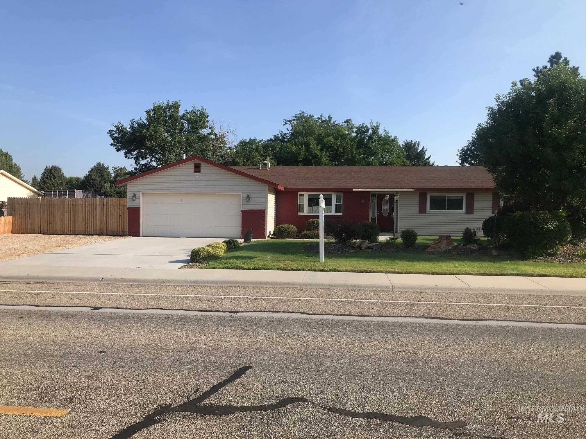 8898 W Desert Ave. Property Photo 1