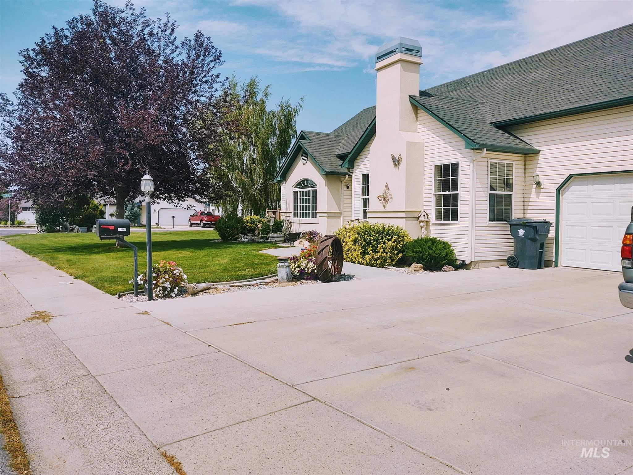 Golden Spur Real Estate Listings Main Image