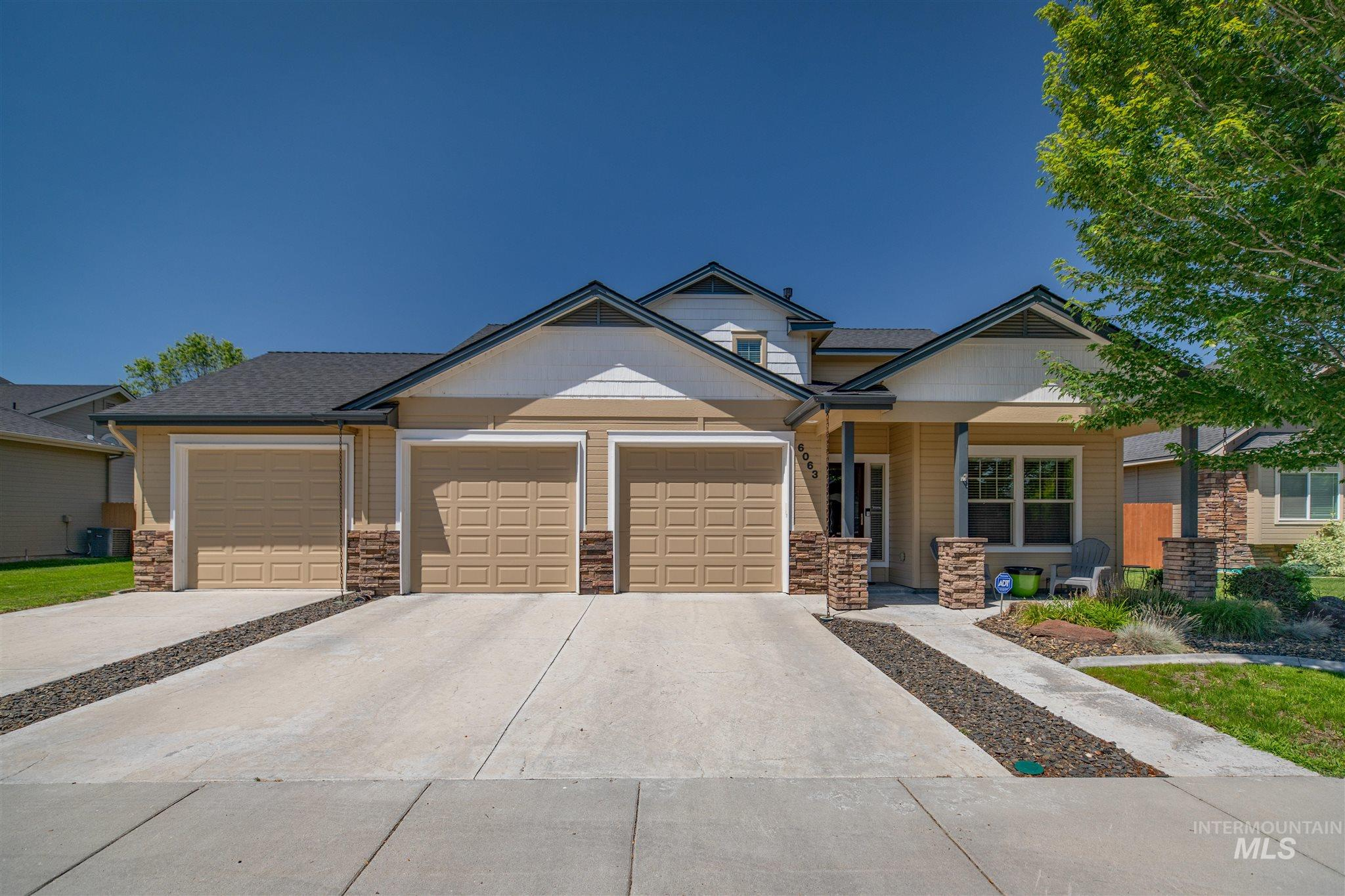 6063 S Acheron Ave Property Photo