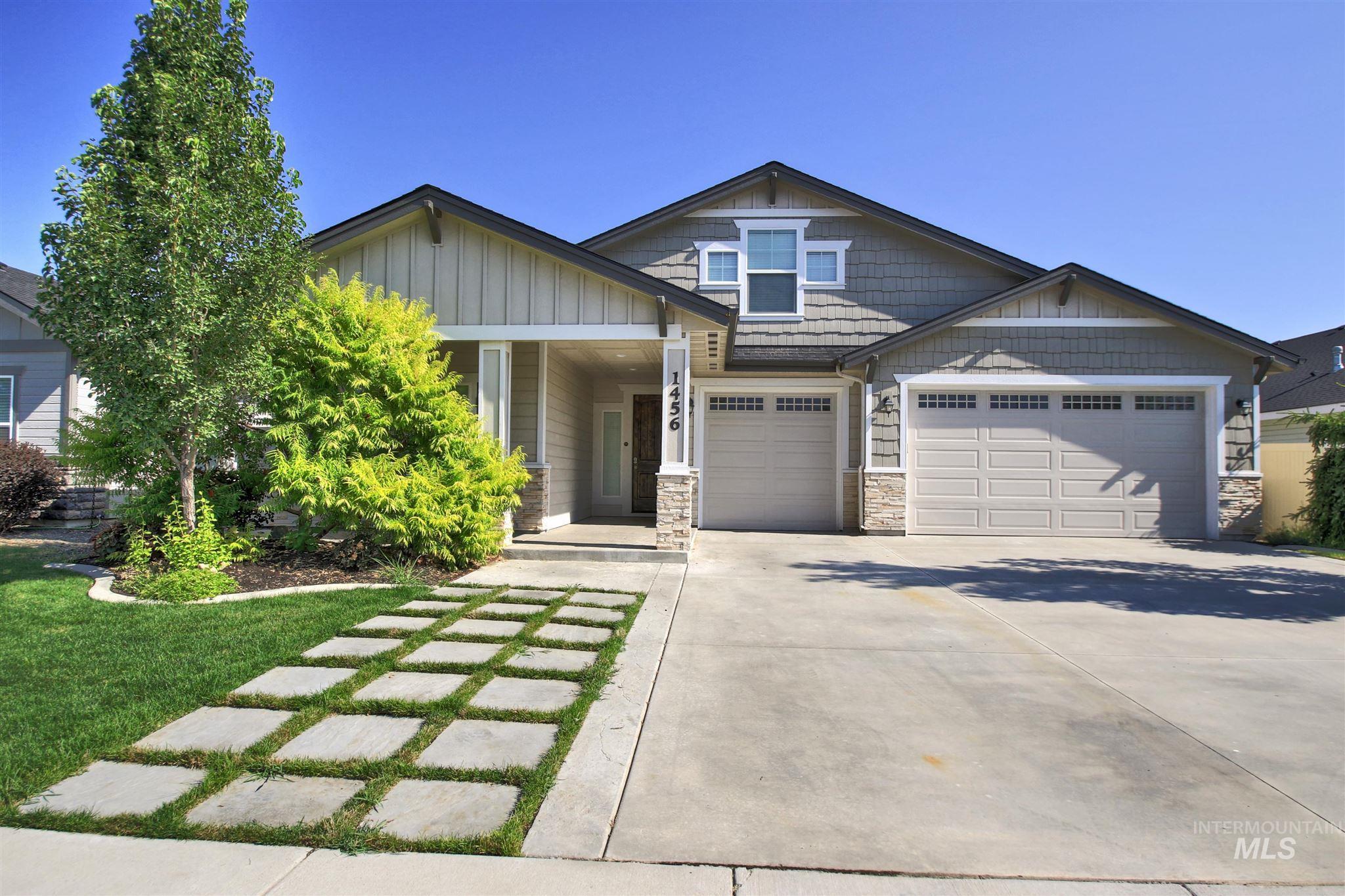 Casa Bella Real Estate Listings Main Image