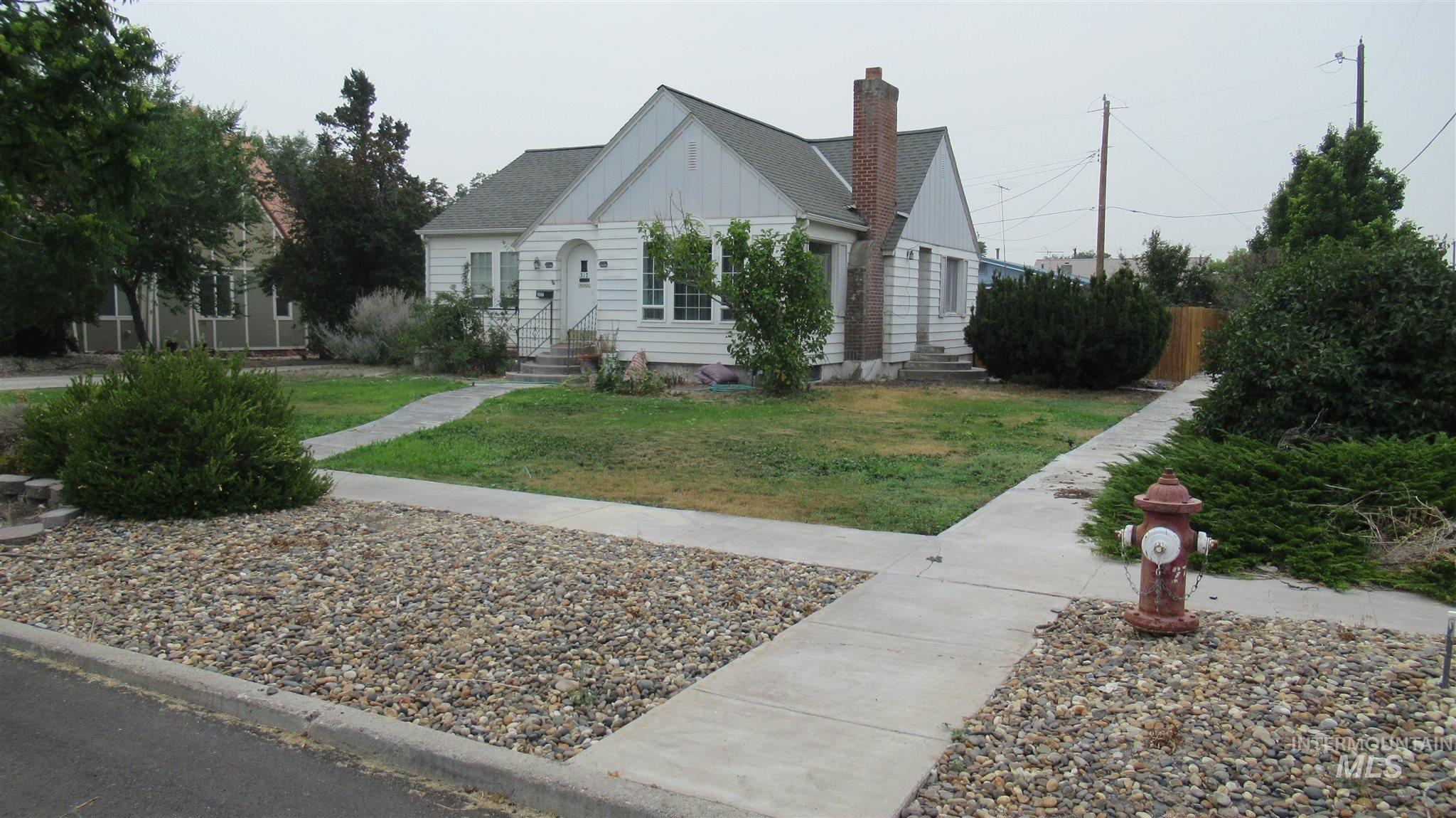 317 N 4th St Property Photo