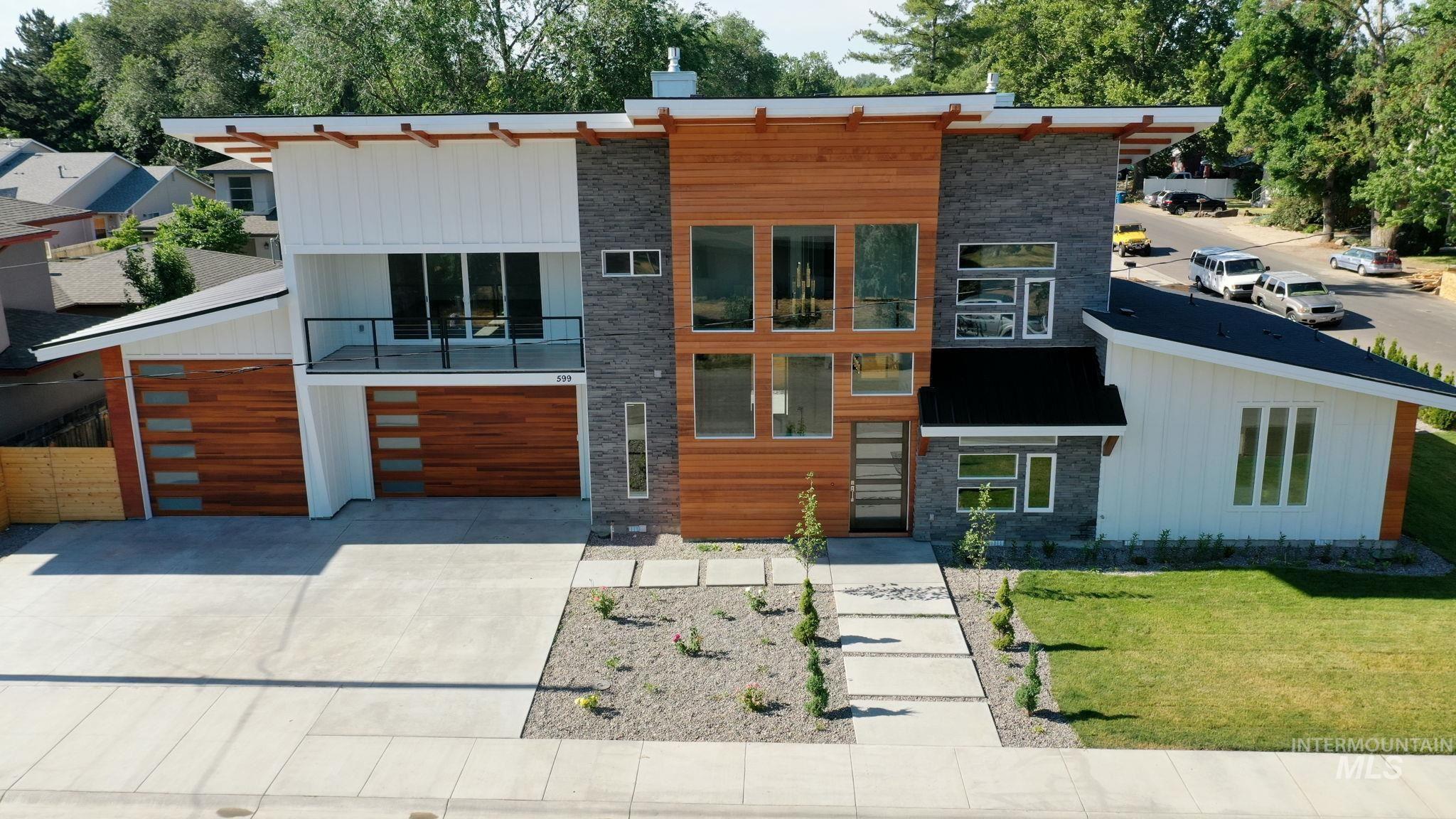 599 Warren St. Property Photo