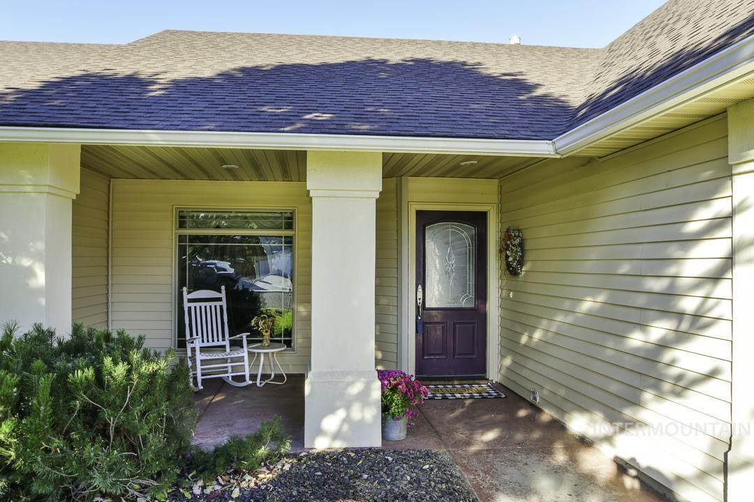 1003 N Pioneer Way Property Photo