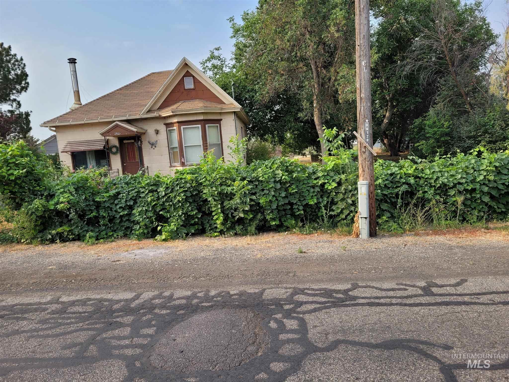 190 W Hagerman Ave. Property Photo