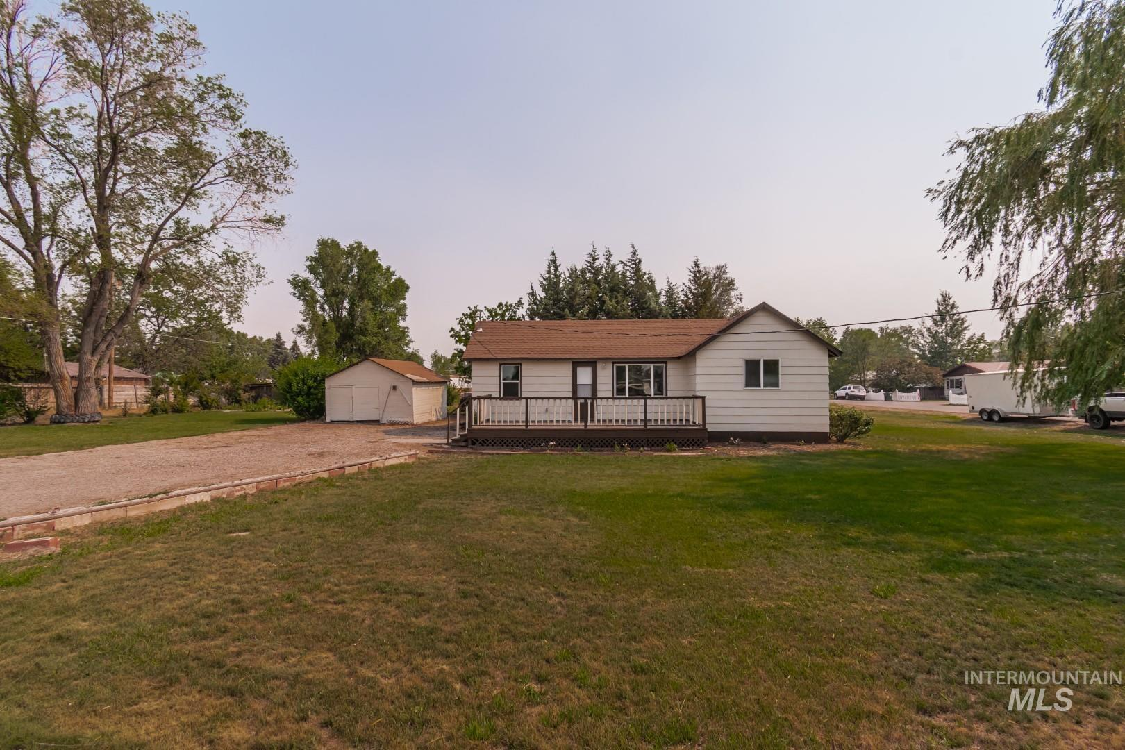 480 Sparling Property Photo