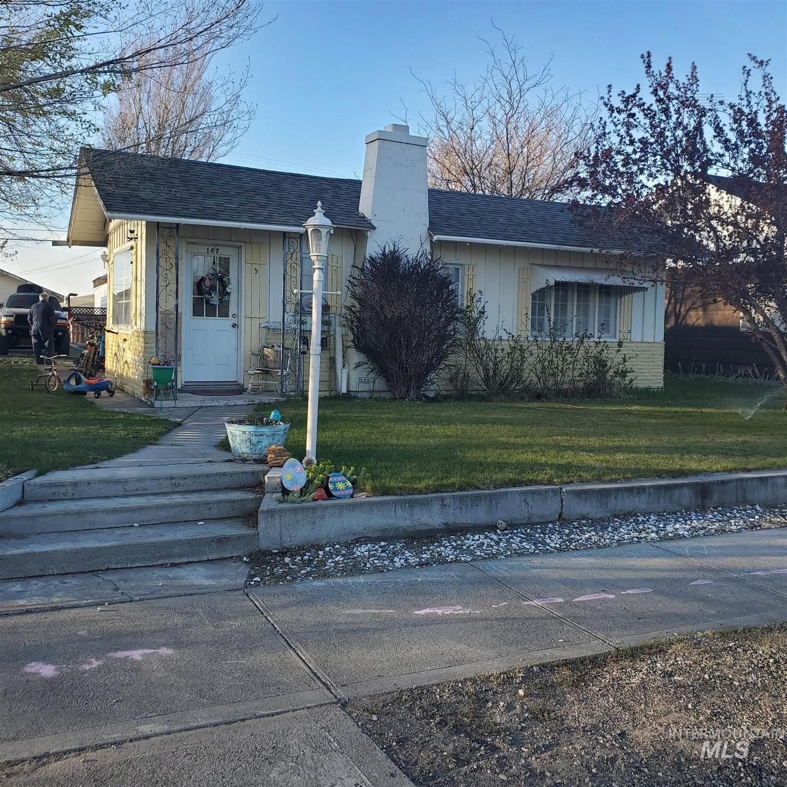 147 W Snake River Ave Property Photo