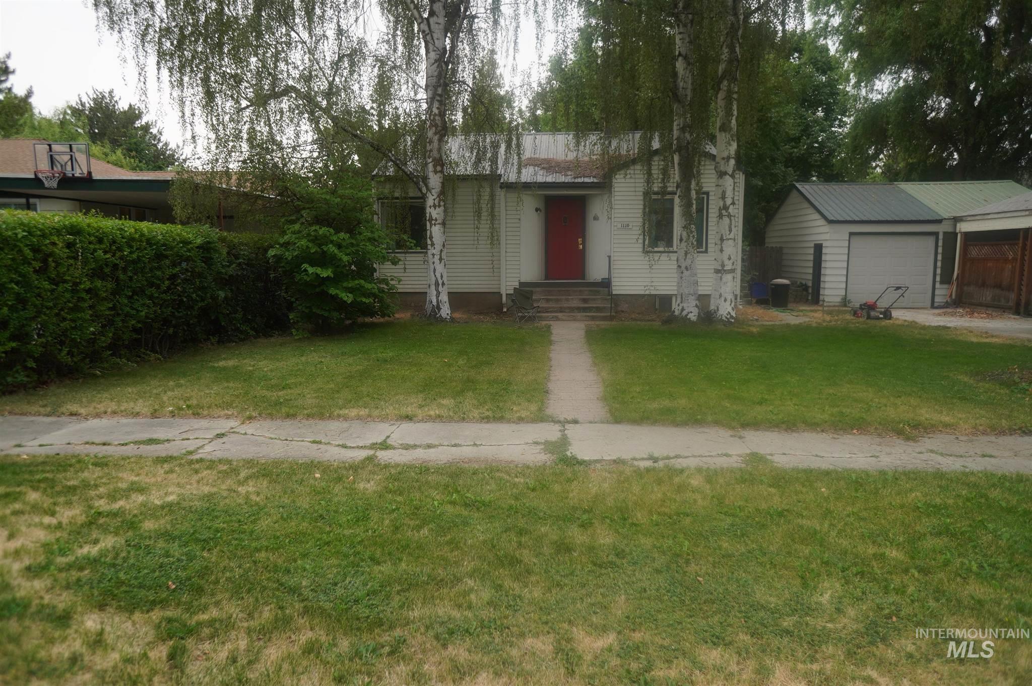 1110 Center Avenue Property Photo