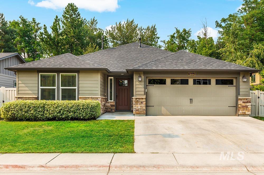 3844 W Magnolia Ln Property Photo 1