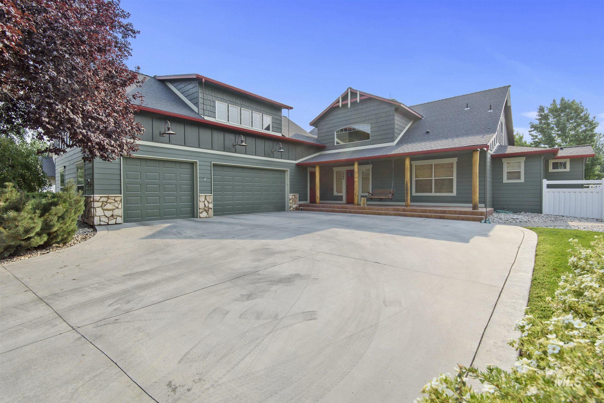 3265 N Boulder Creek Ave Property Photo