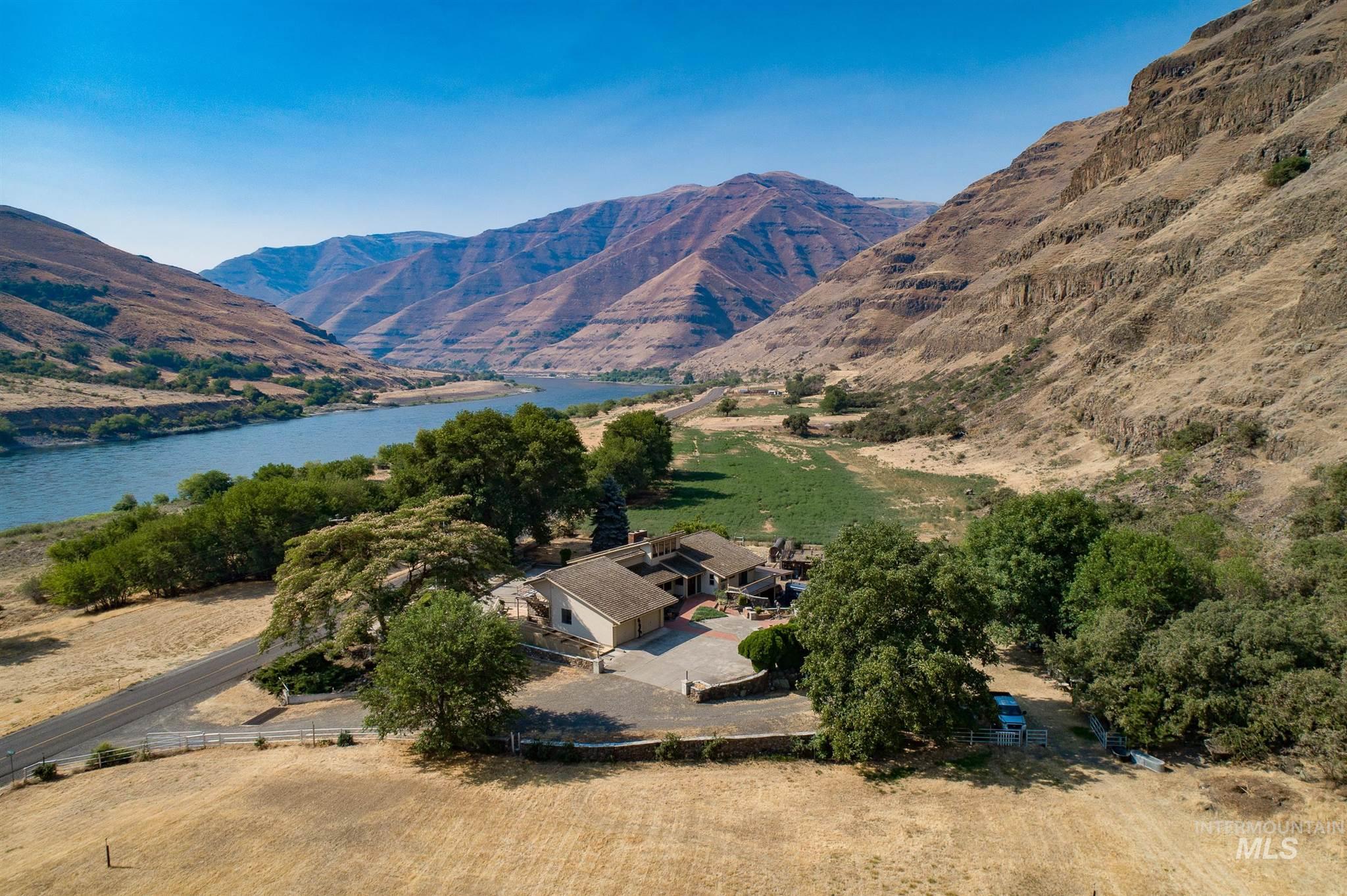 17638 Snake River Road Property Photo