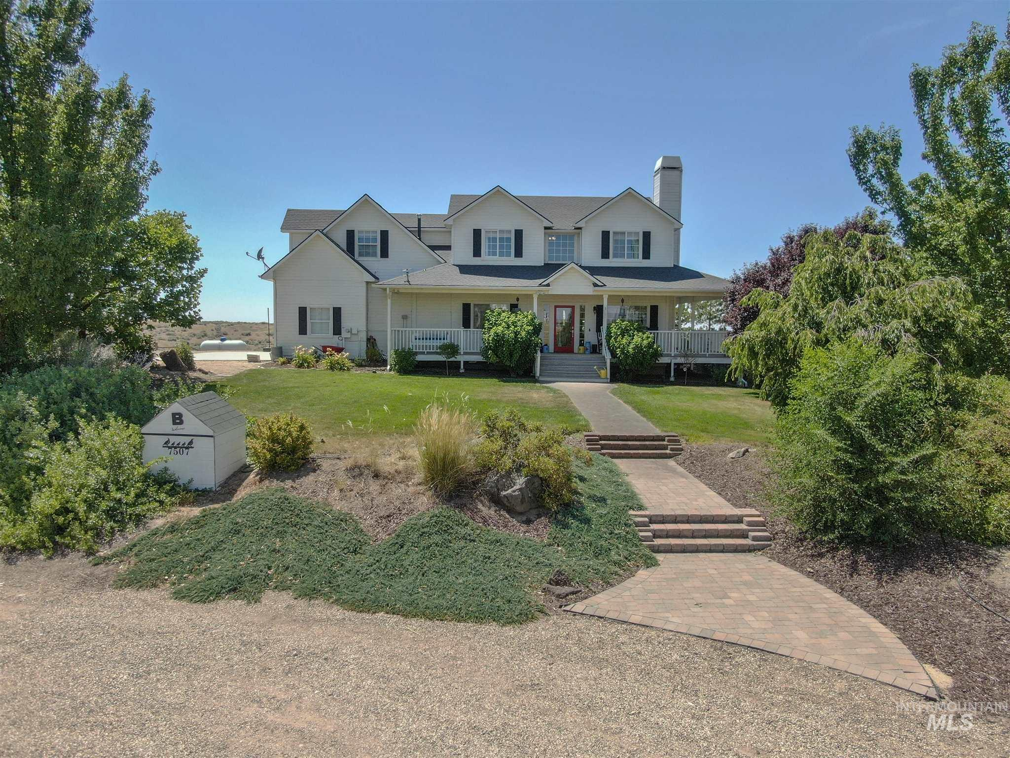 Broken Trumpet Acres Real Estate Listings Main Image