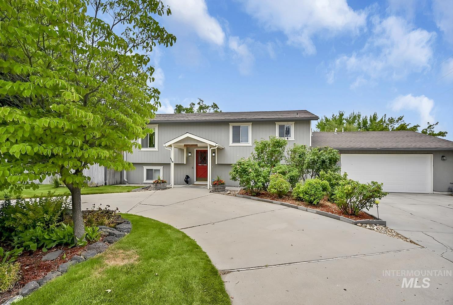 3851 S Rushmore Way Property Photo