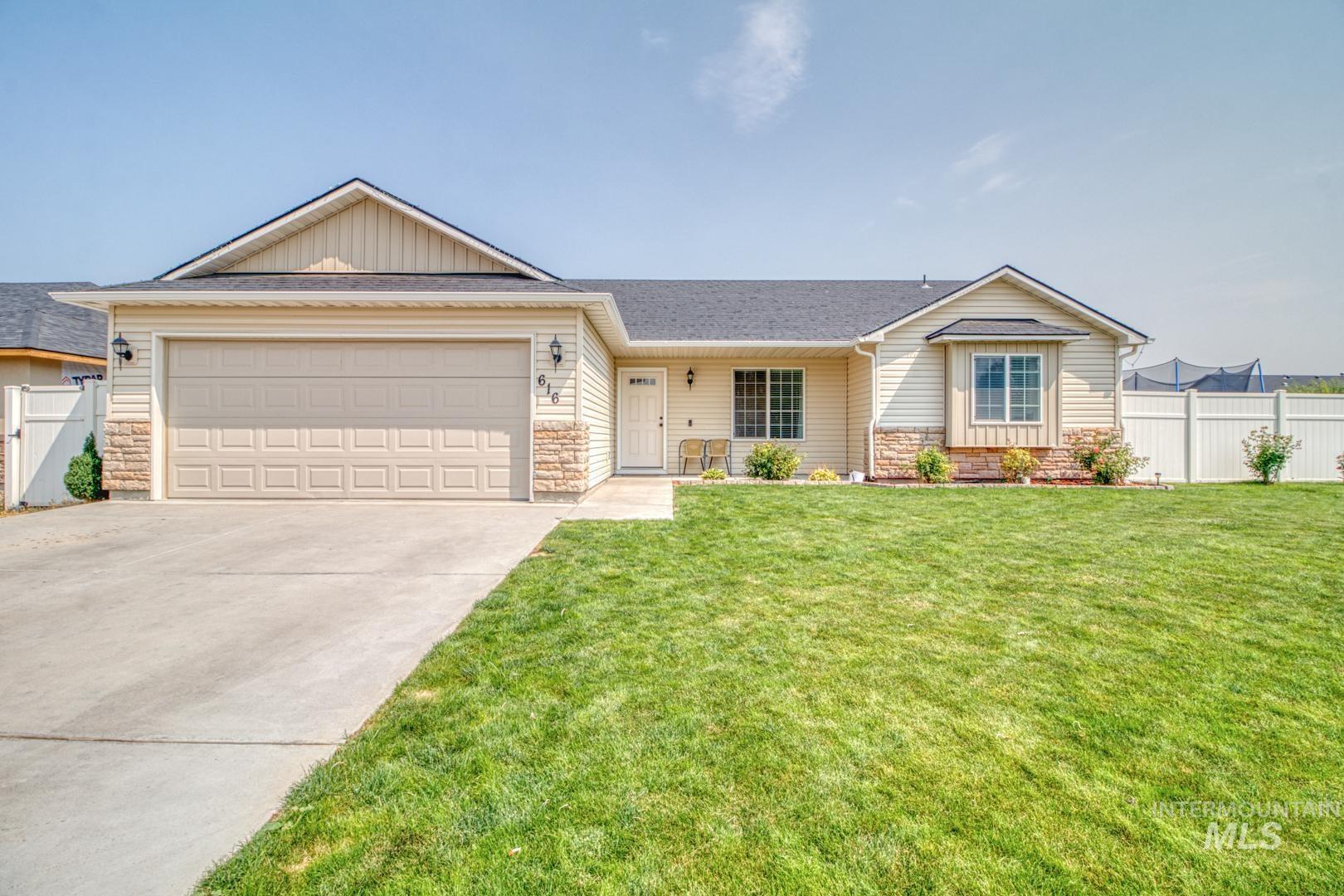 616 21st Ave E Property Photo 1