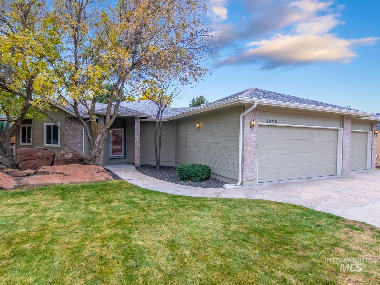 3255 E Red Stone Drive Property Photo