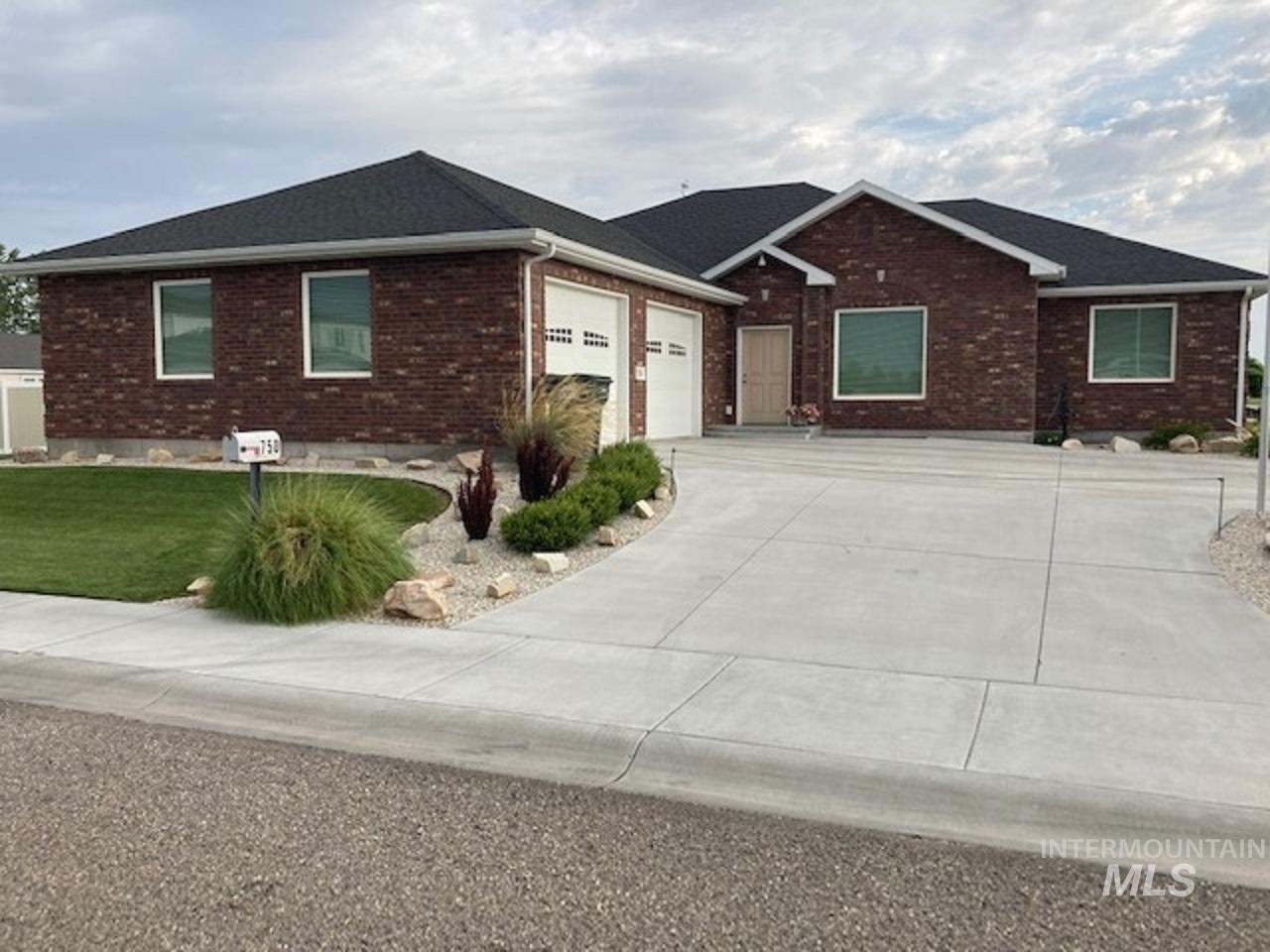 750 Blue River Drive Property Photo