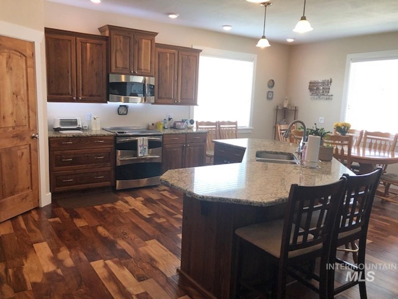 750 Blue River Drive Property Photo 3