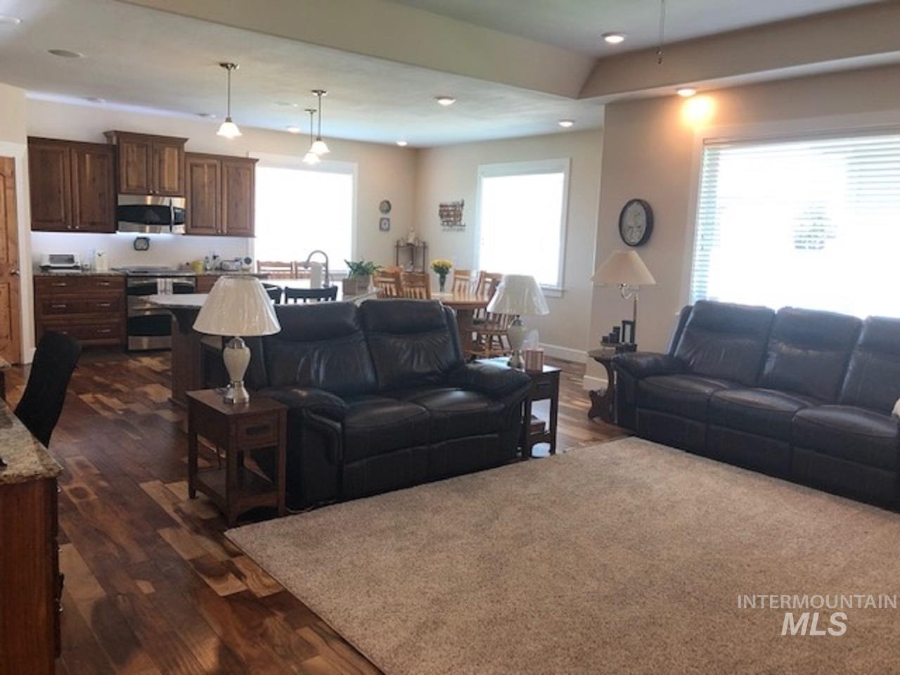 750 Blue River Drive Property Photo 9