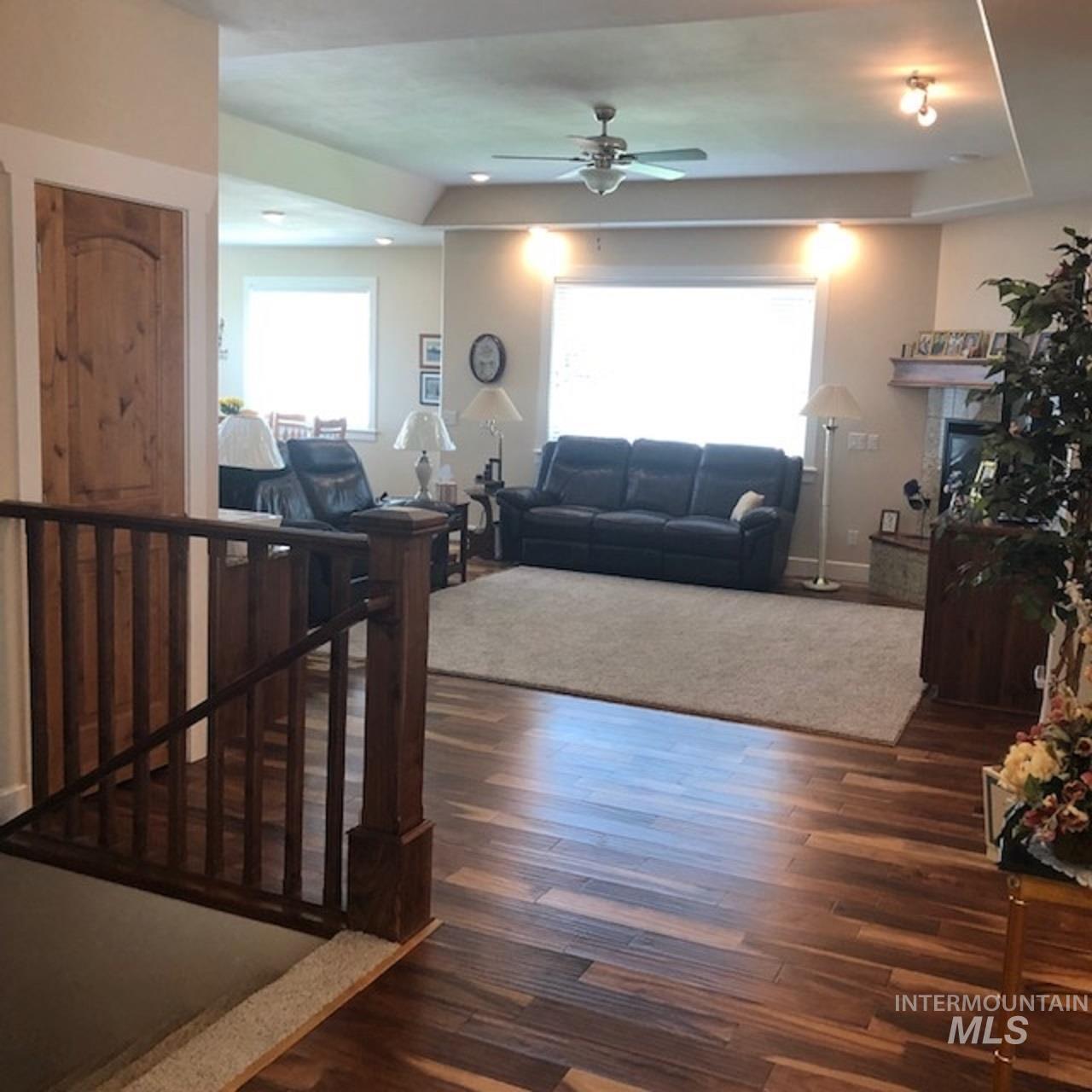 750 Blue River Drive Property Photo 28