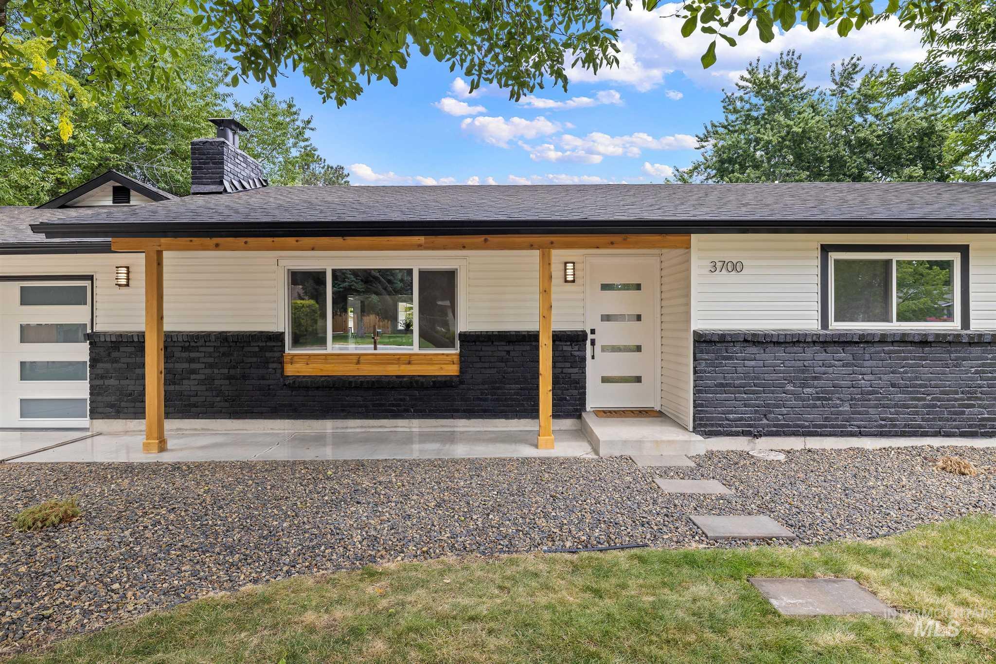 3700 S Cayuga Place Property Photo
