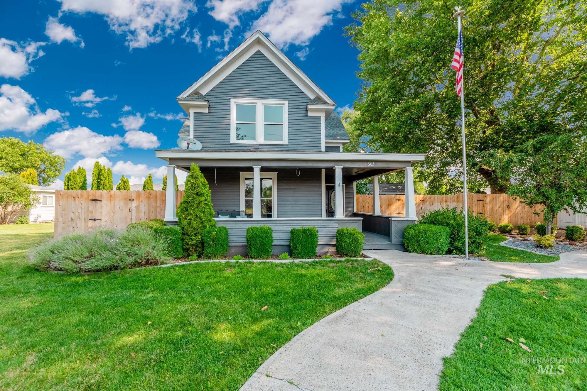603 W 1st Street Property Photo
