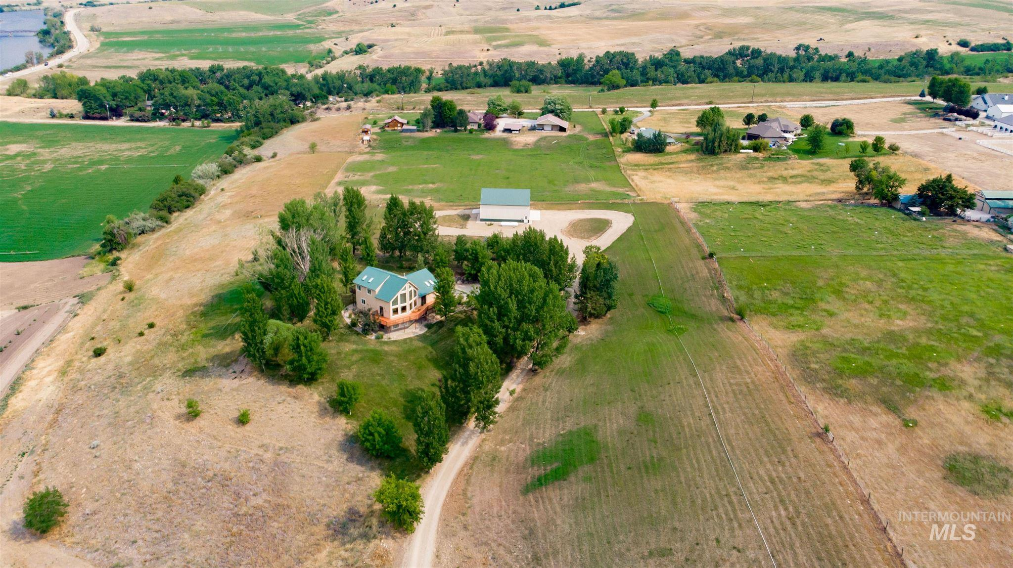 24 Waverly Dr Property Photo