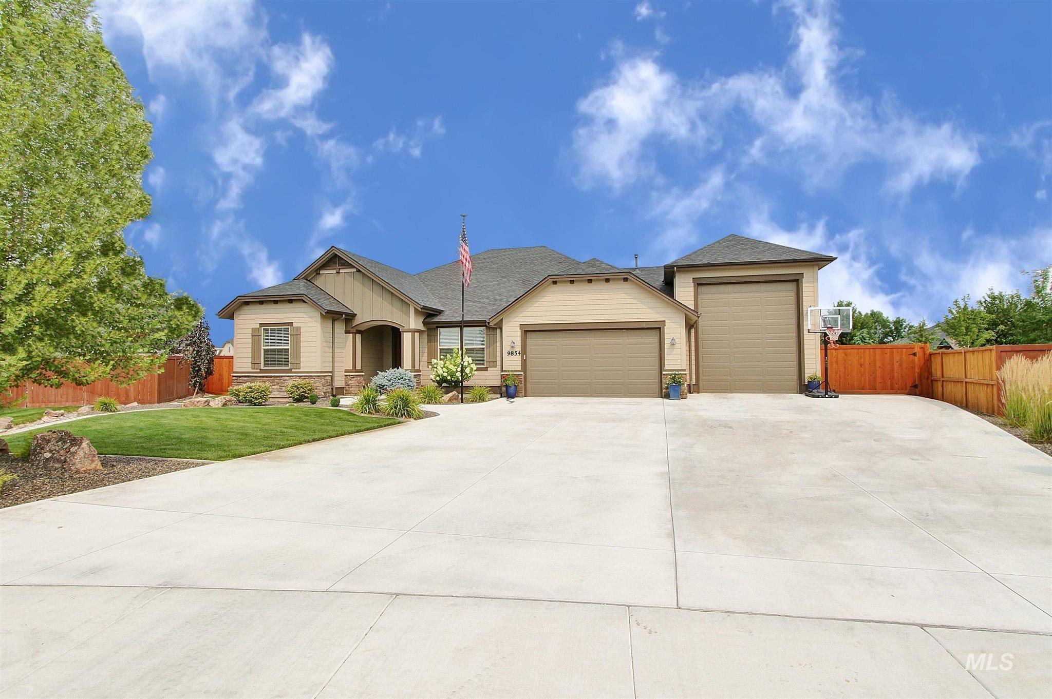 9854 W Purple Ash Dr Property Photo