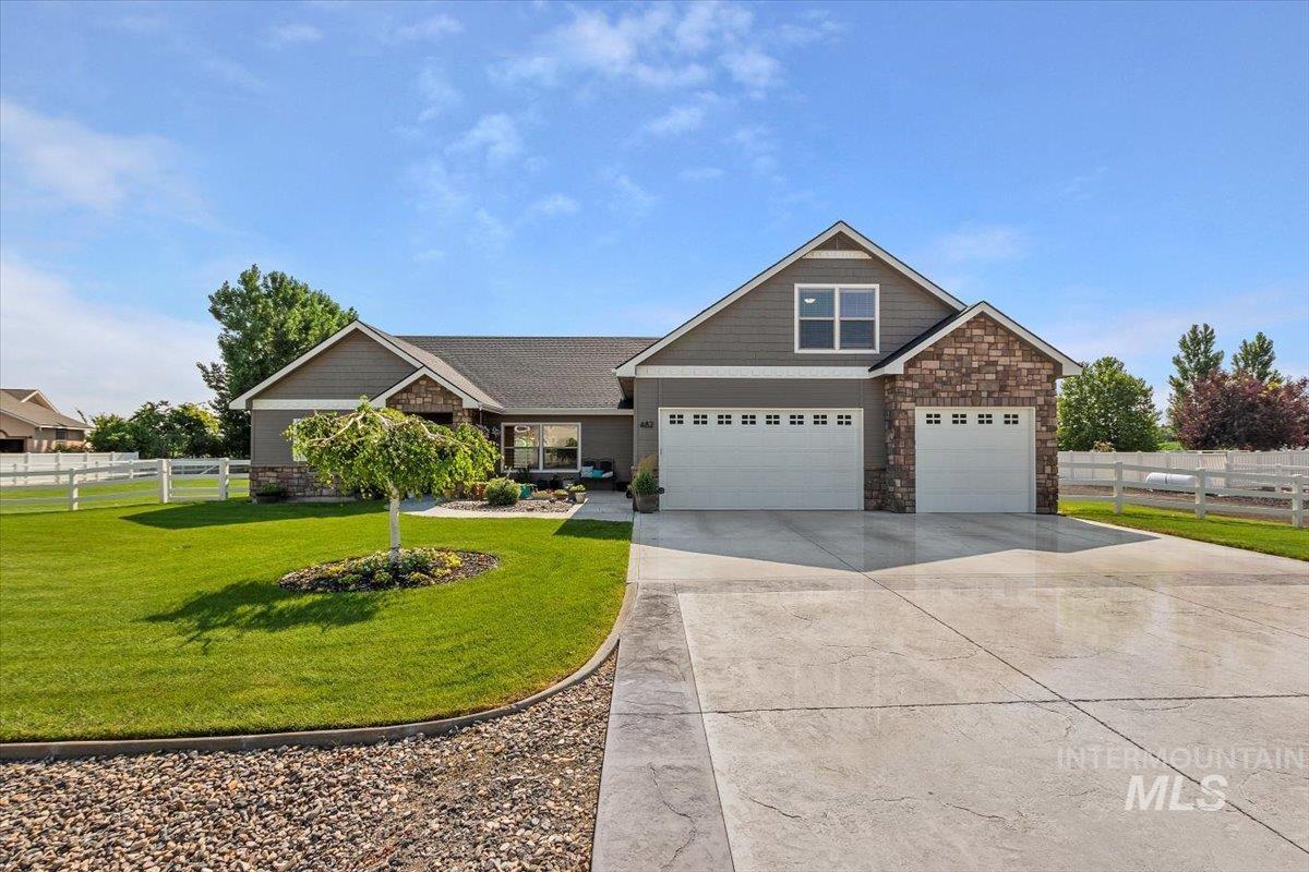 482 Sunridge Drive Property Photo 1