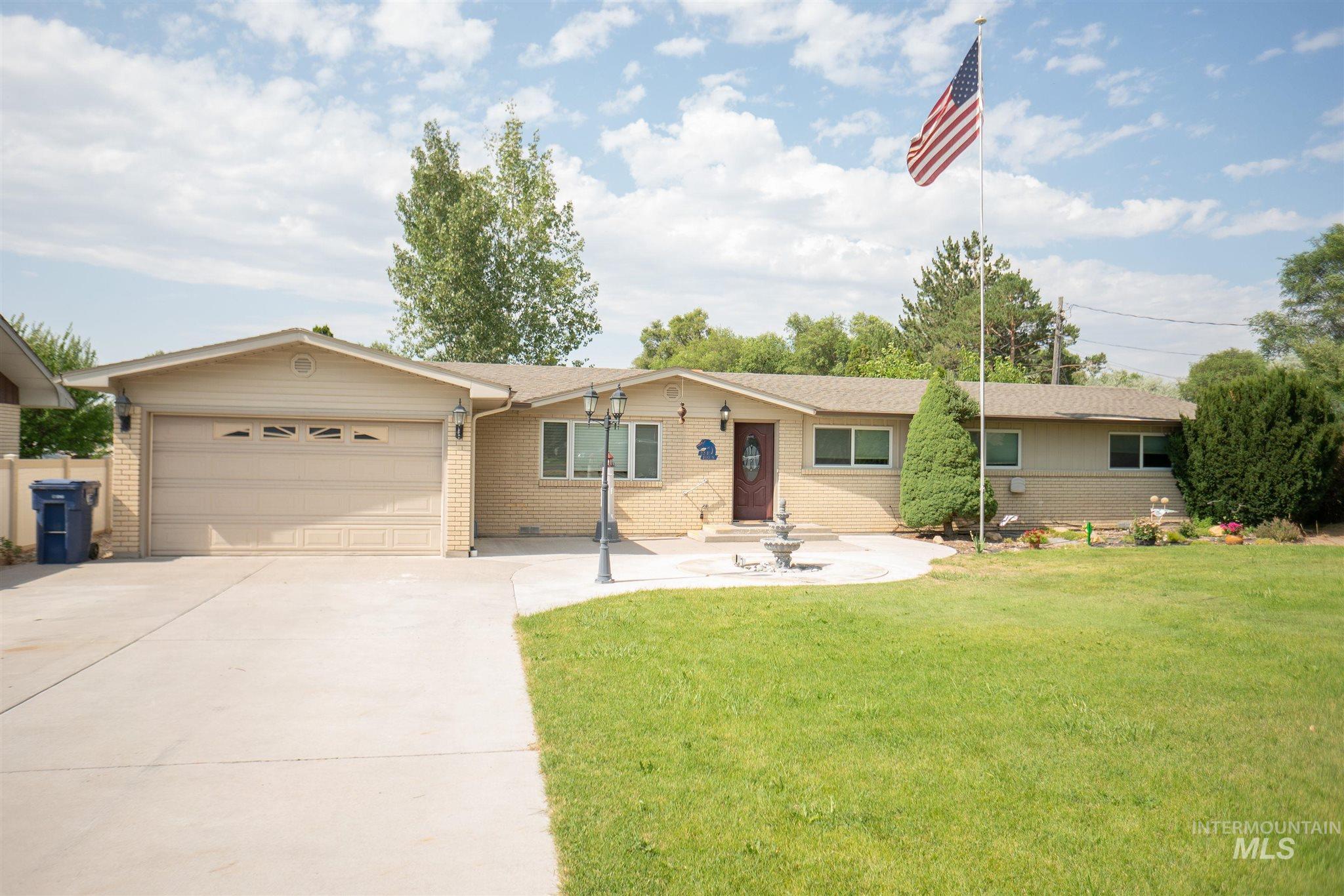 22 E 100s Property Photo