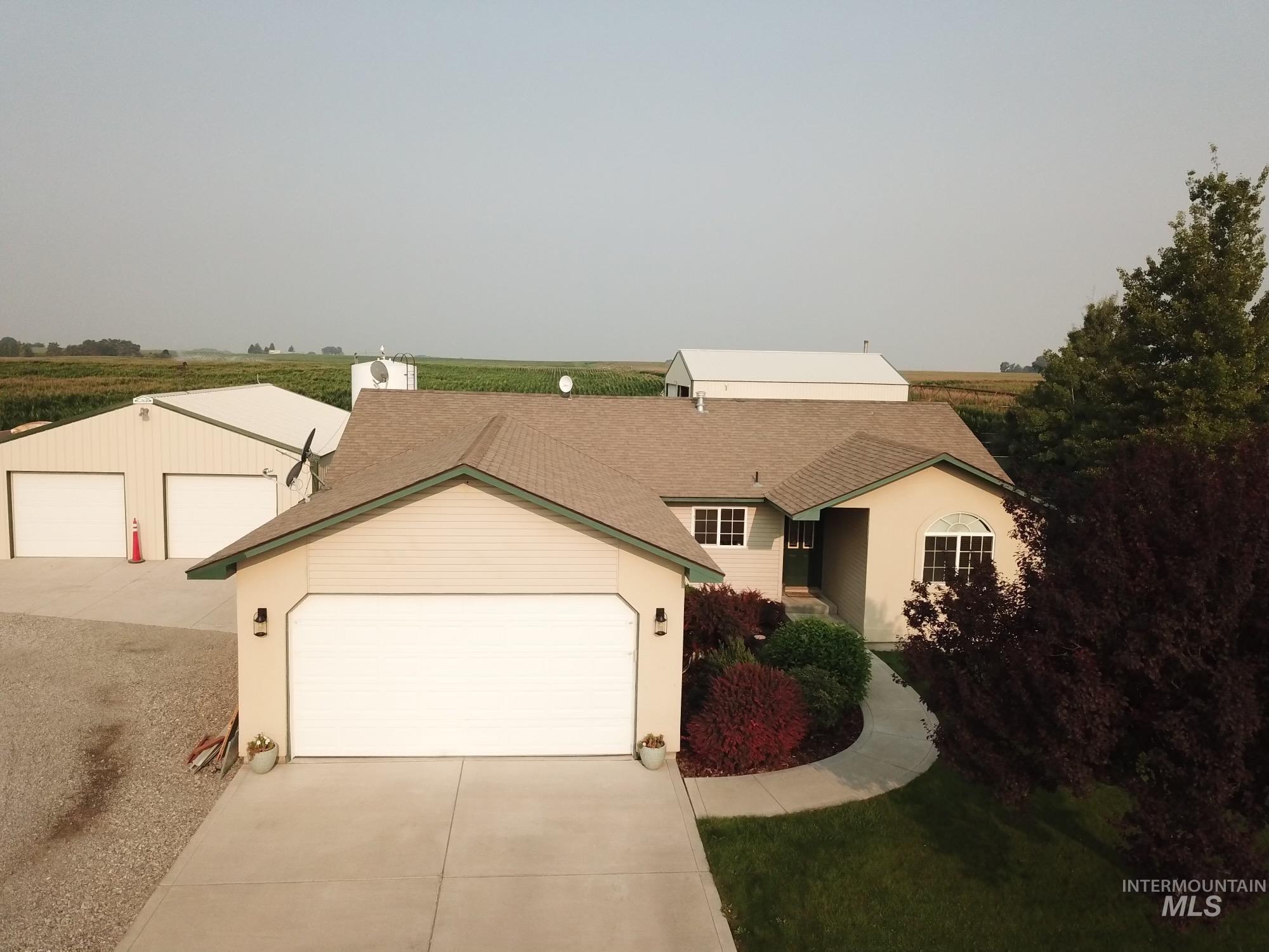 423 N 100 E Property Photo 2