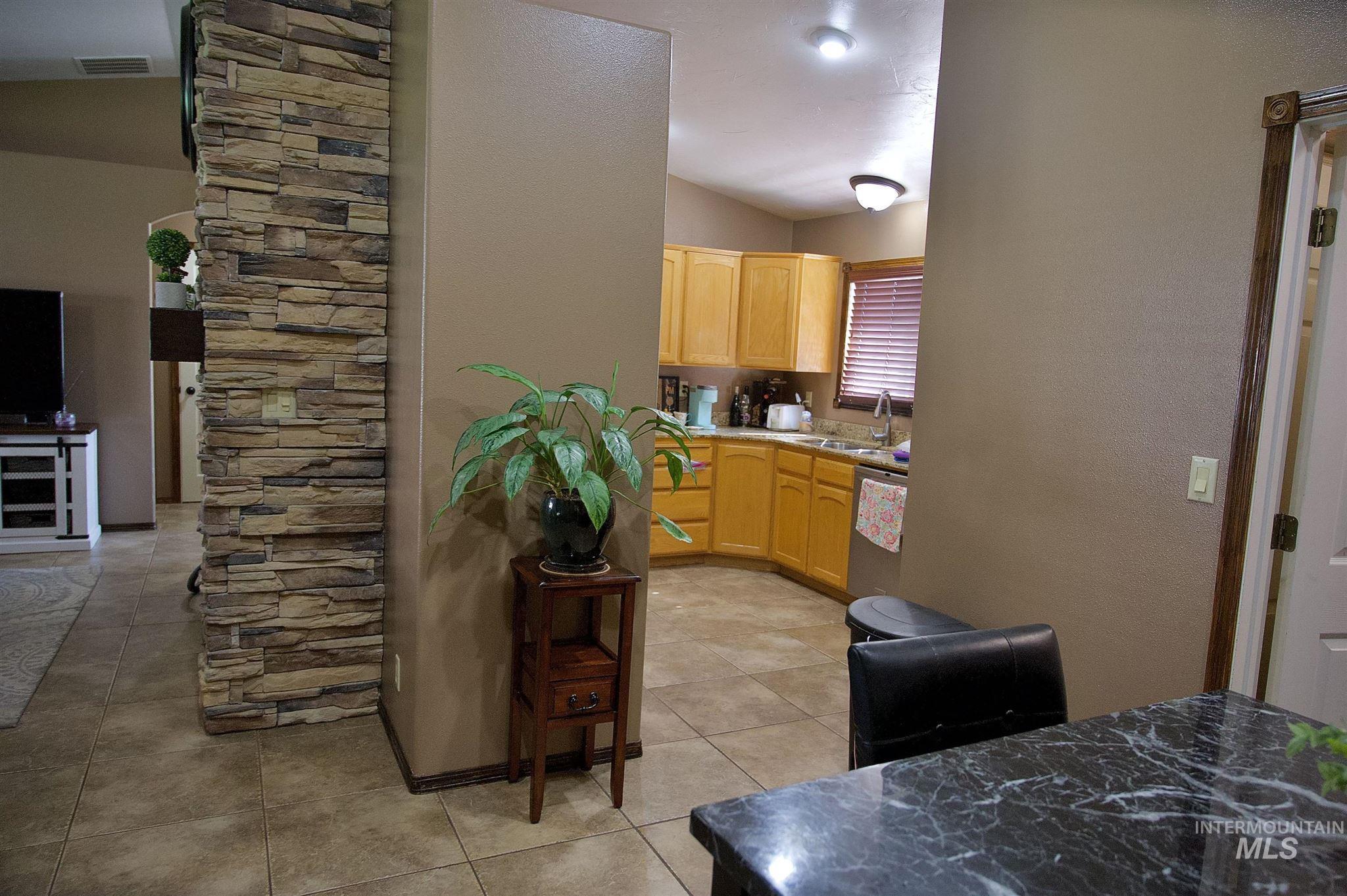 423 N 100 E Property Photo 13