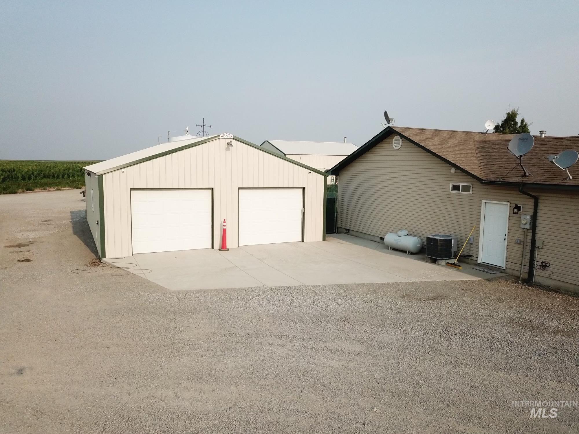 423 N 100 E Property Photo 32