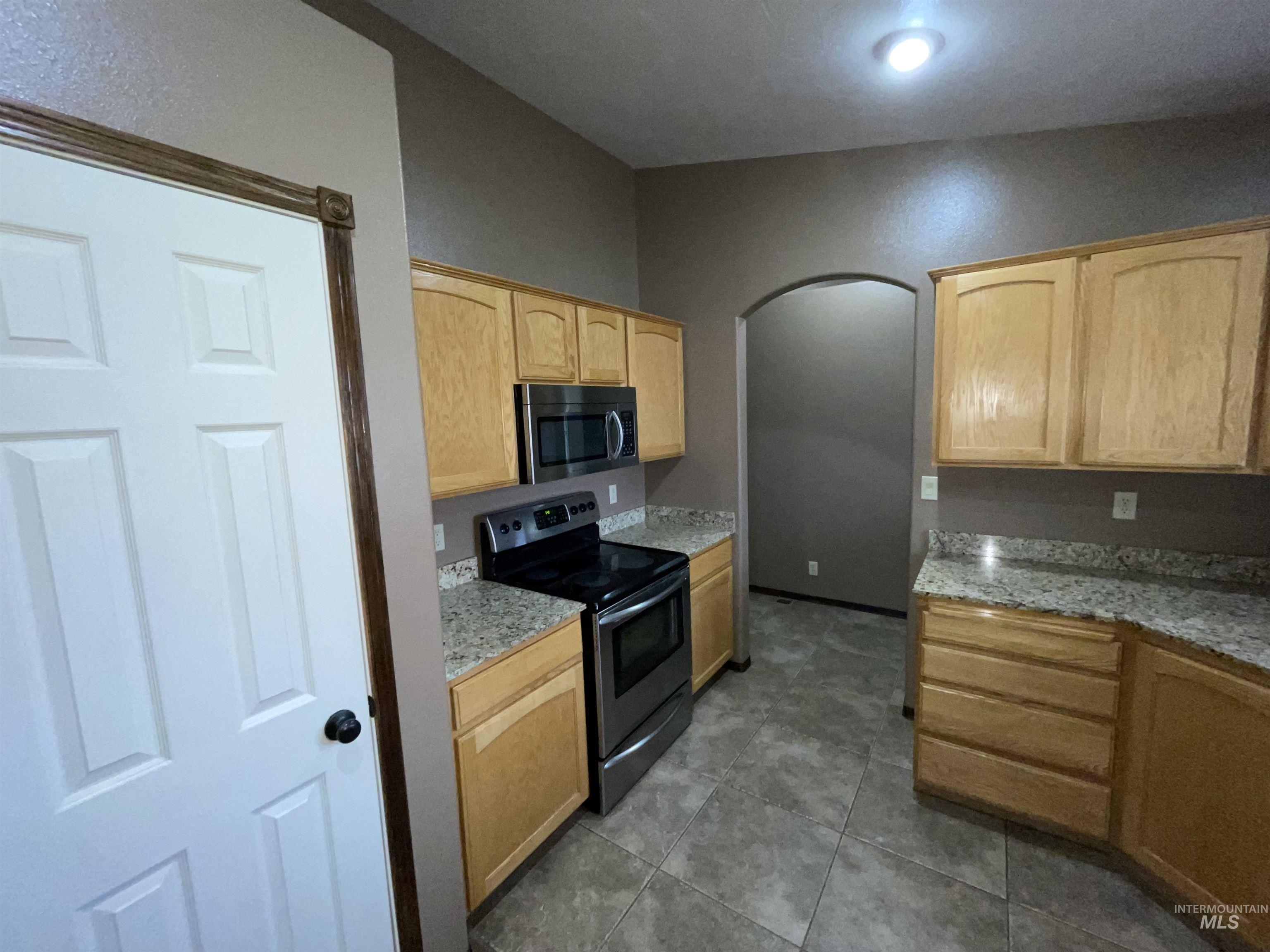 423 N 100 E Property Photo 46