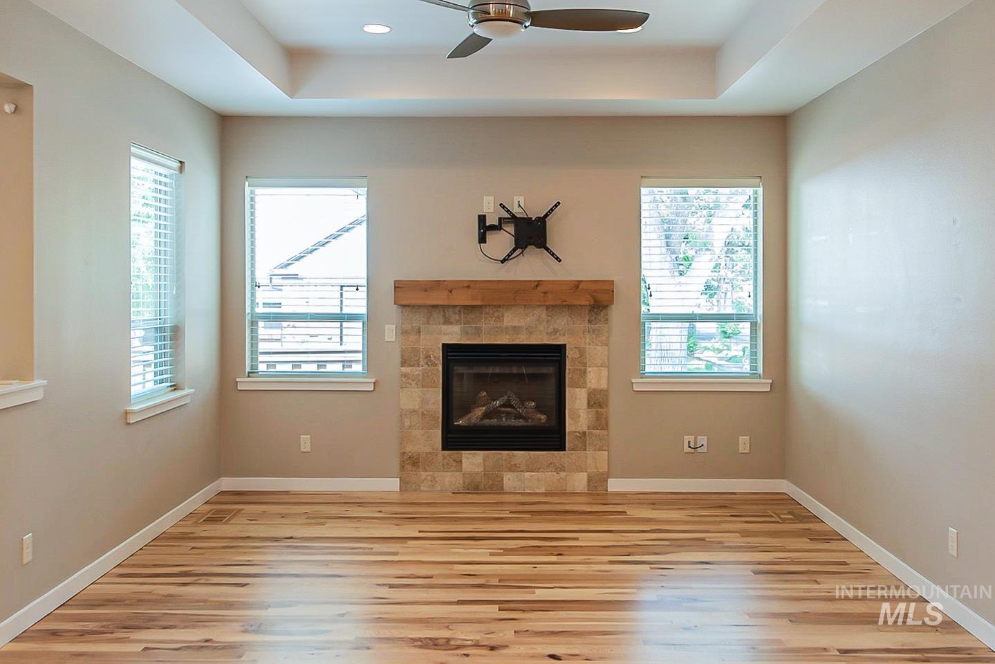 3729 W Catalpa Property Photo 5