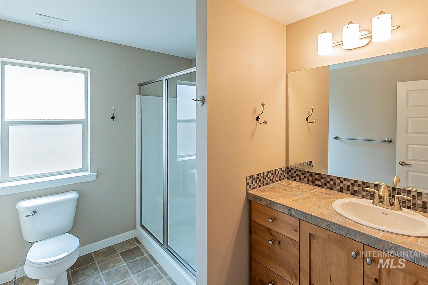 3729 W Catalpa Property Photo 6