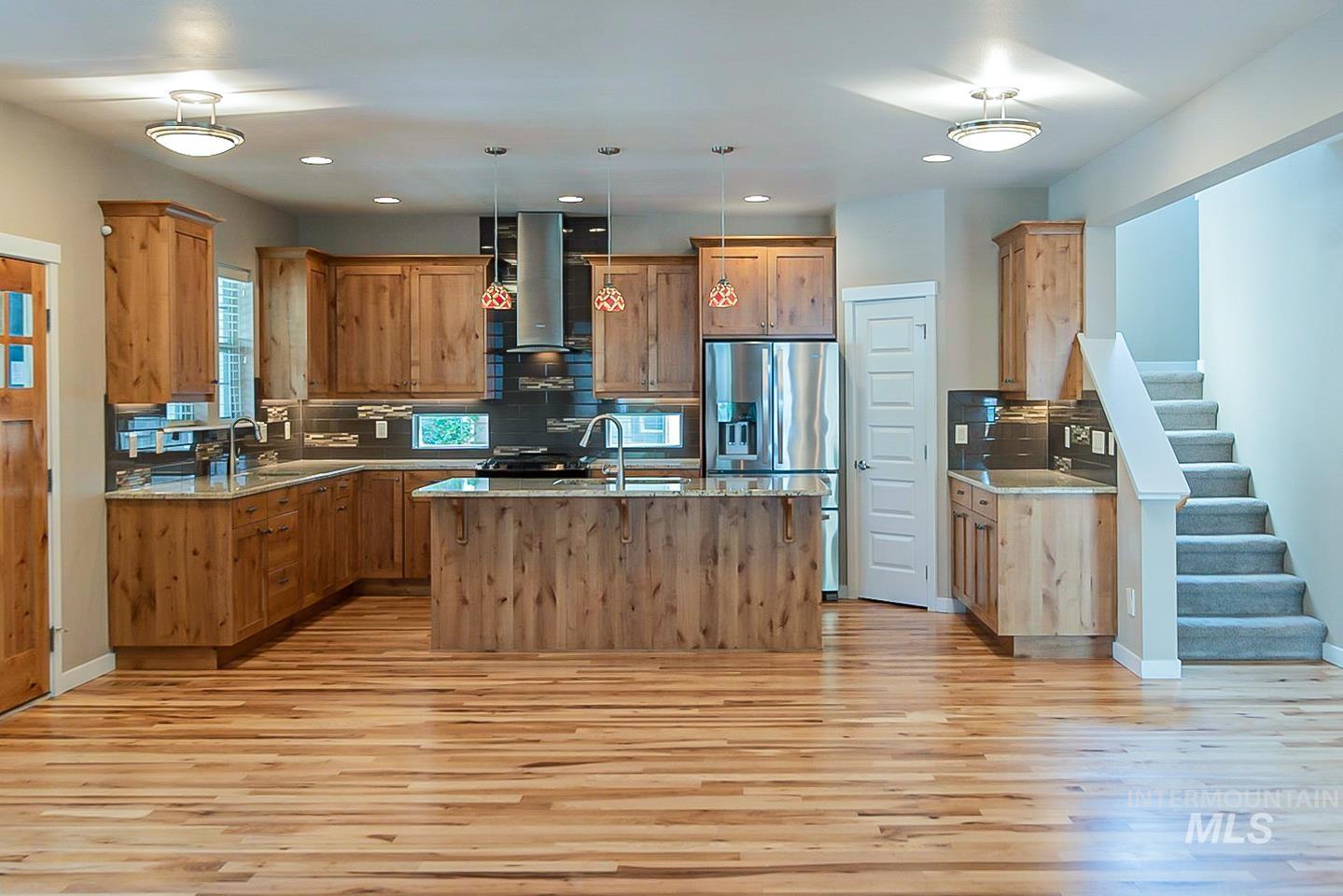 3729 W Catalpa Property Photo 10