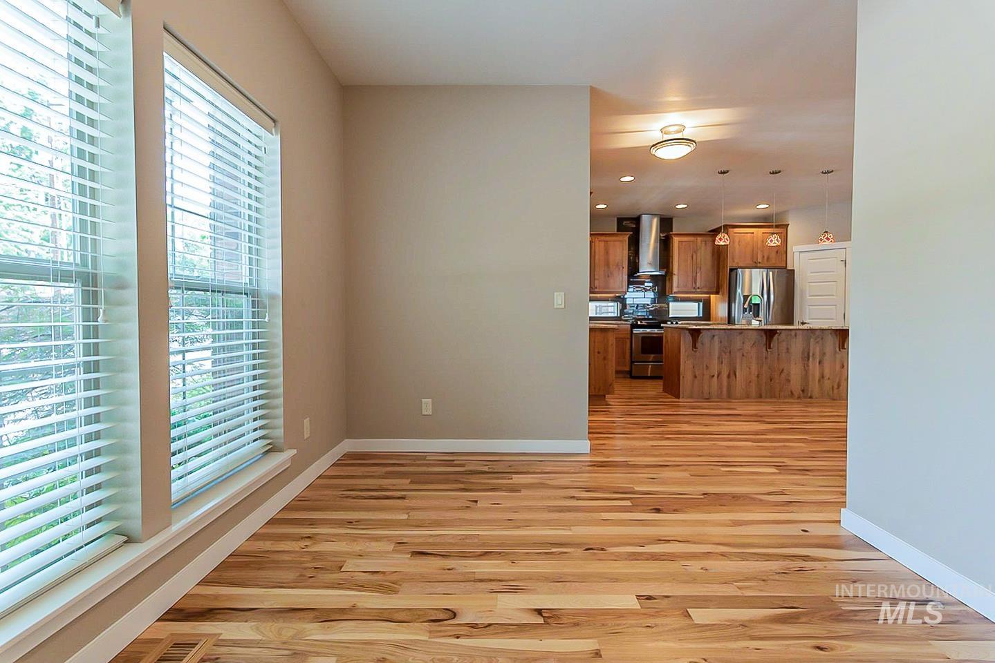 3729 W Catalpa Property Photo 12