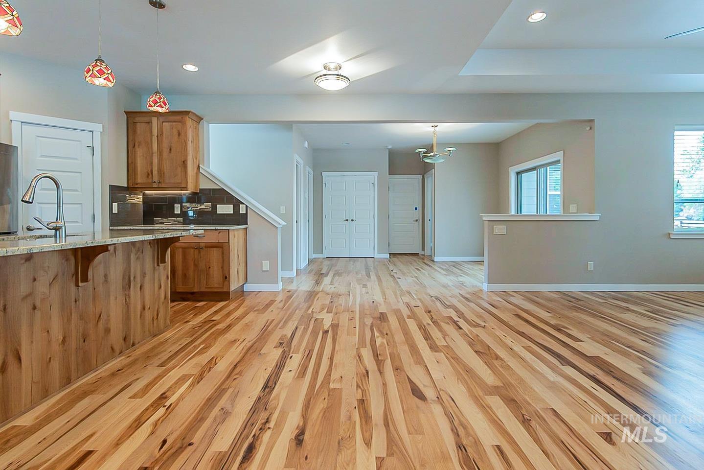 3729 W Catalpa Property Photo 13