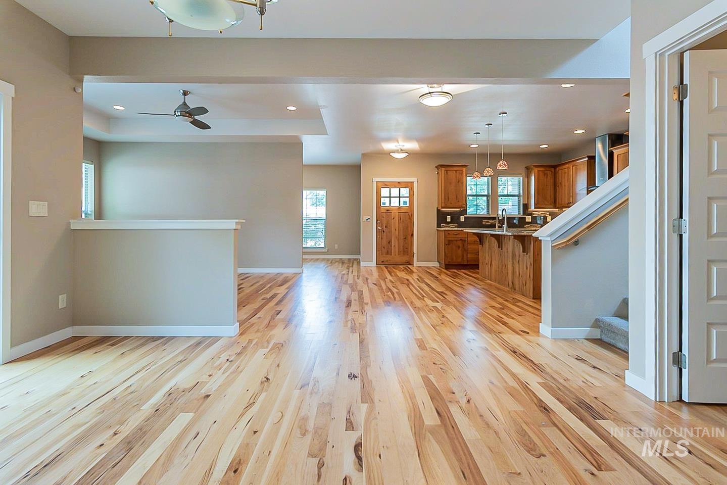 3729 W Catalpa Property Photo 15