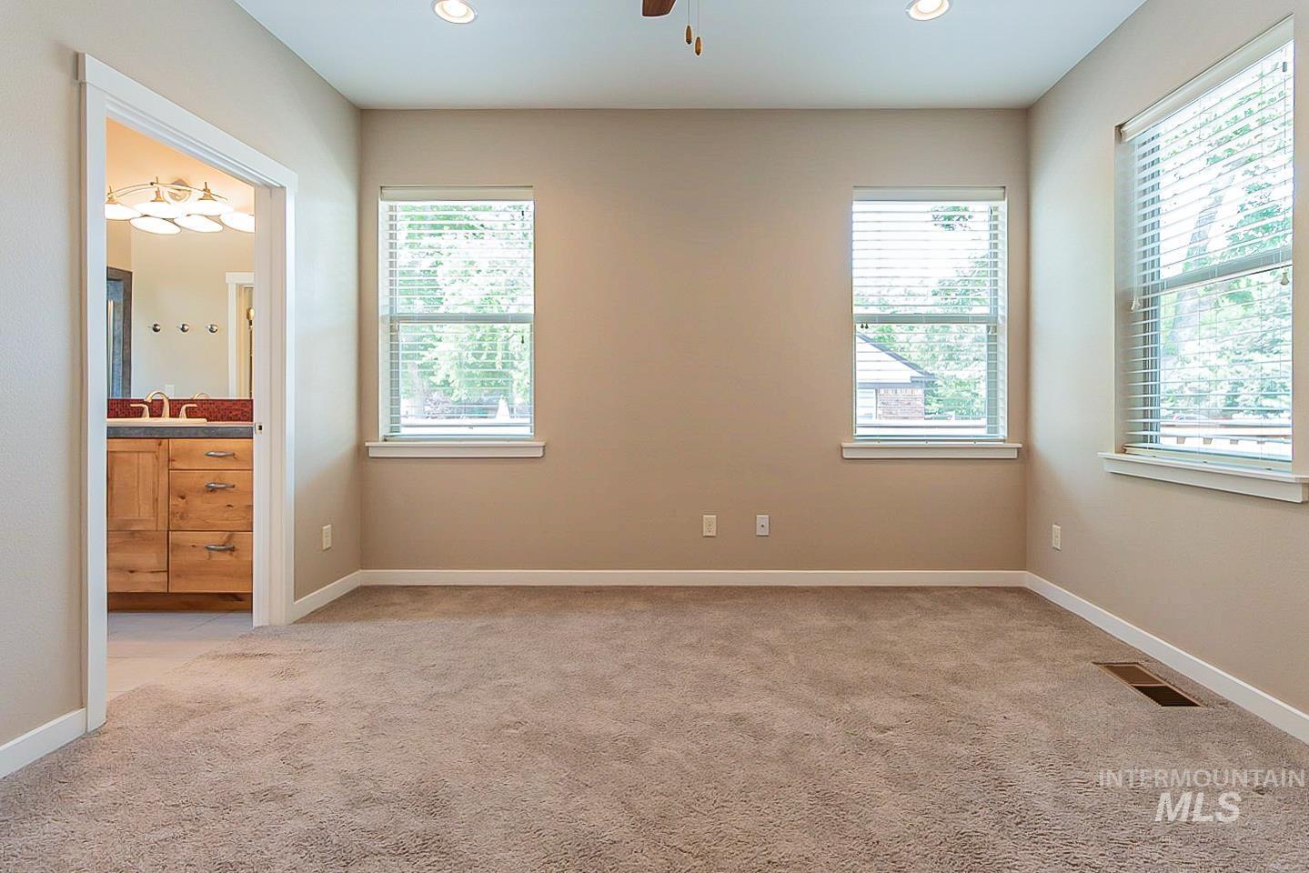 3729 W Catalpa Property Photo 16