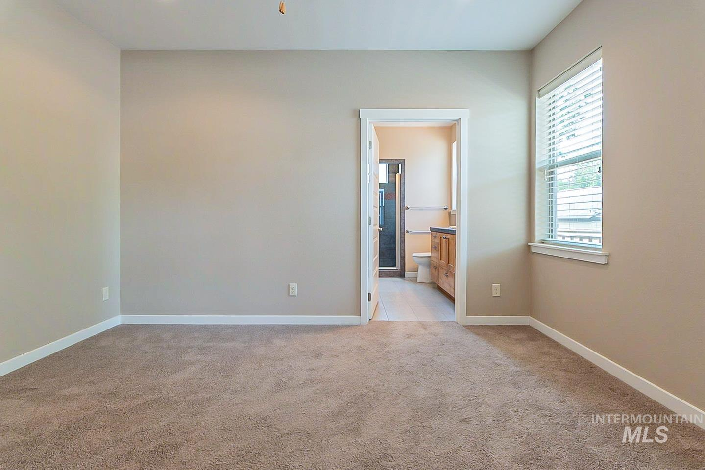3729 W Catalpa Property Photo 17