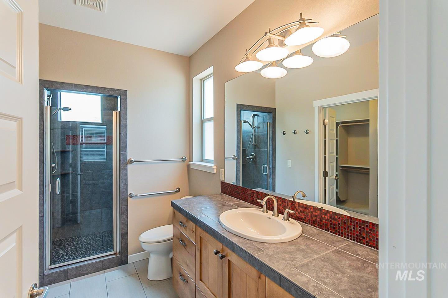 3729 W Catalpa Property Photo 18
