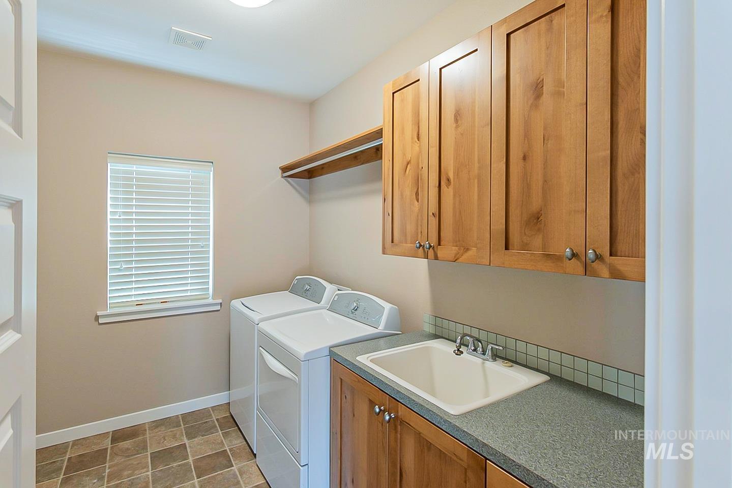 3729 W Catalpa Property Photo 20