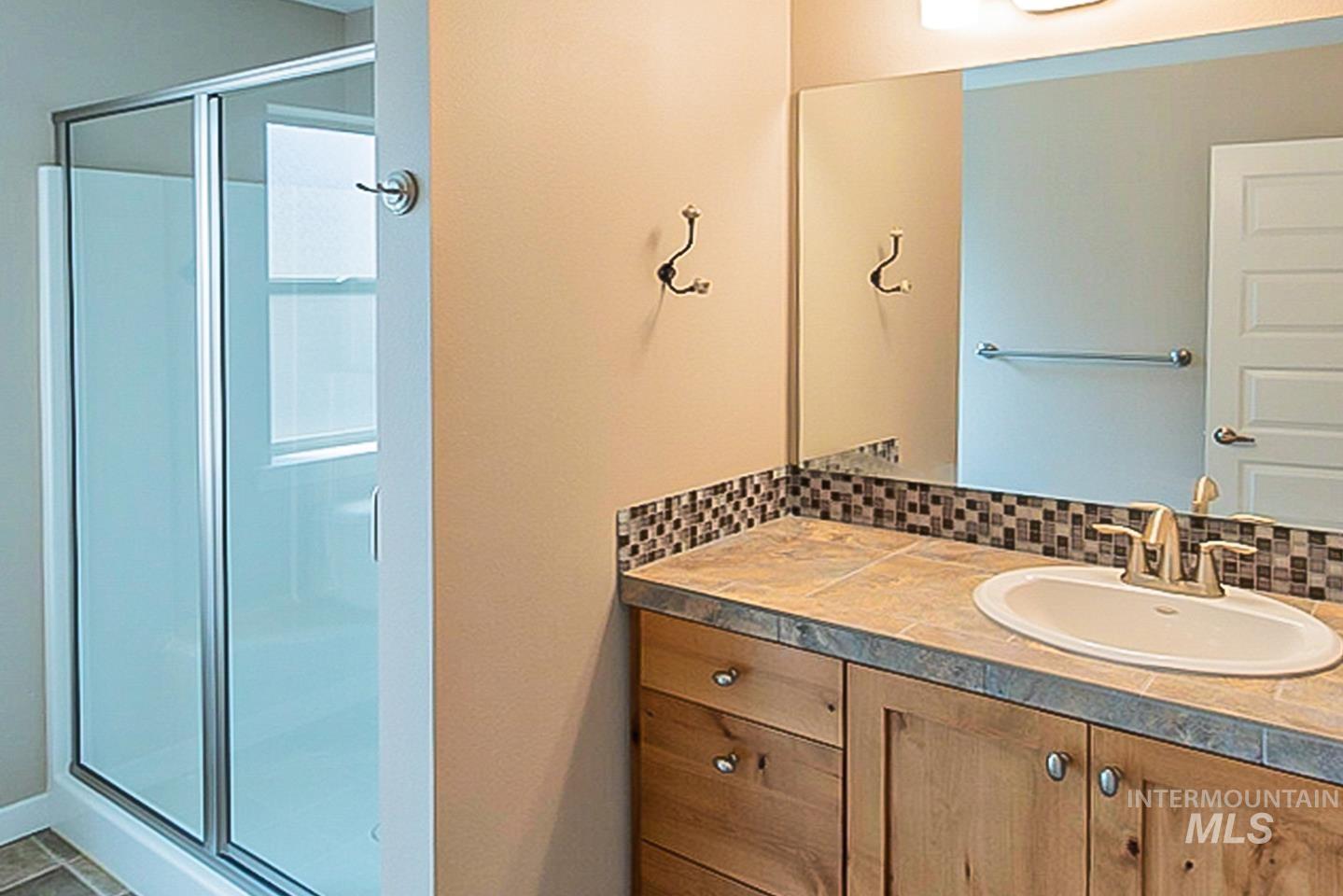 3729 W Catalpa Property Photo 22