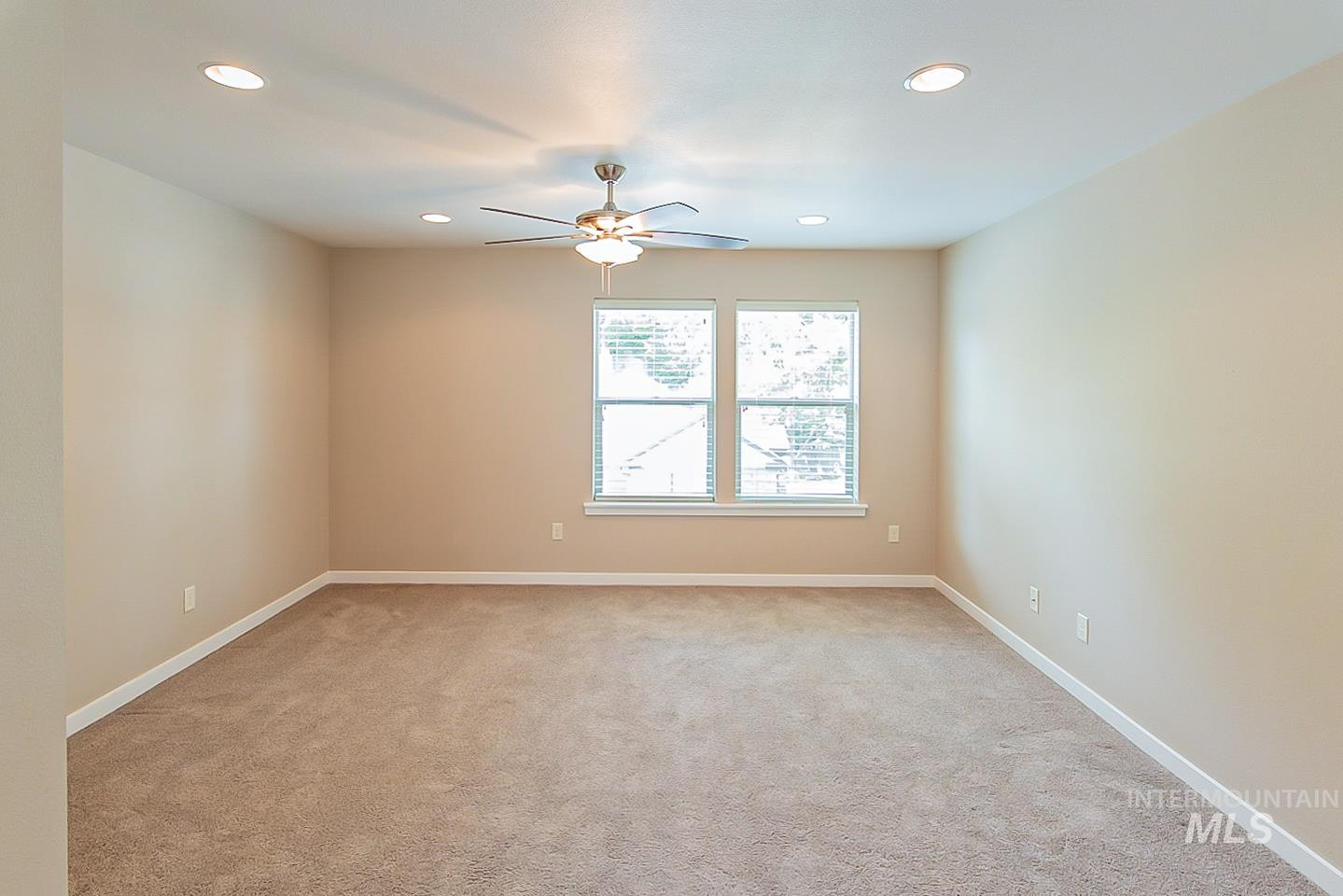 3729 W Catalpa Property Photo 23